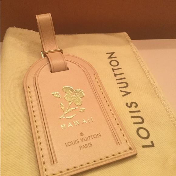 "70829b104a9a Louis Vuitton ""Limited Ed"" Hawaii Luggage Tag"